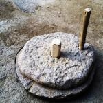 آسیاب دستی قدیمی در سامن -دستاس یا دسار http://csamen.ir/?p=5382