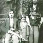 مشدی و پسرش حسین و حسینعلی اسکندری